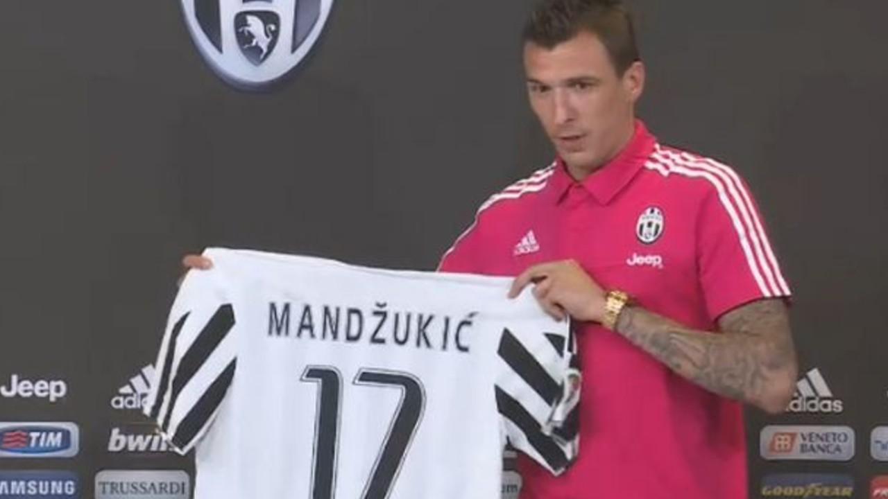Mandzukic ai tempi della presentazione alla Juventus
