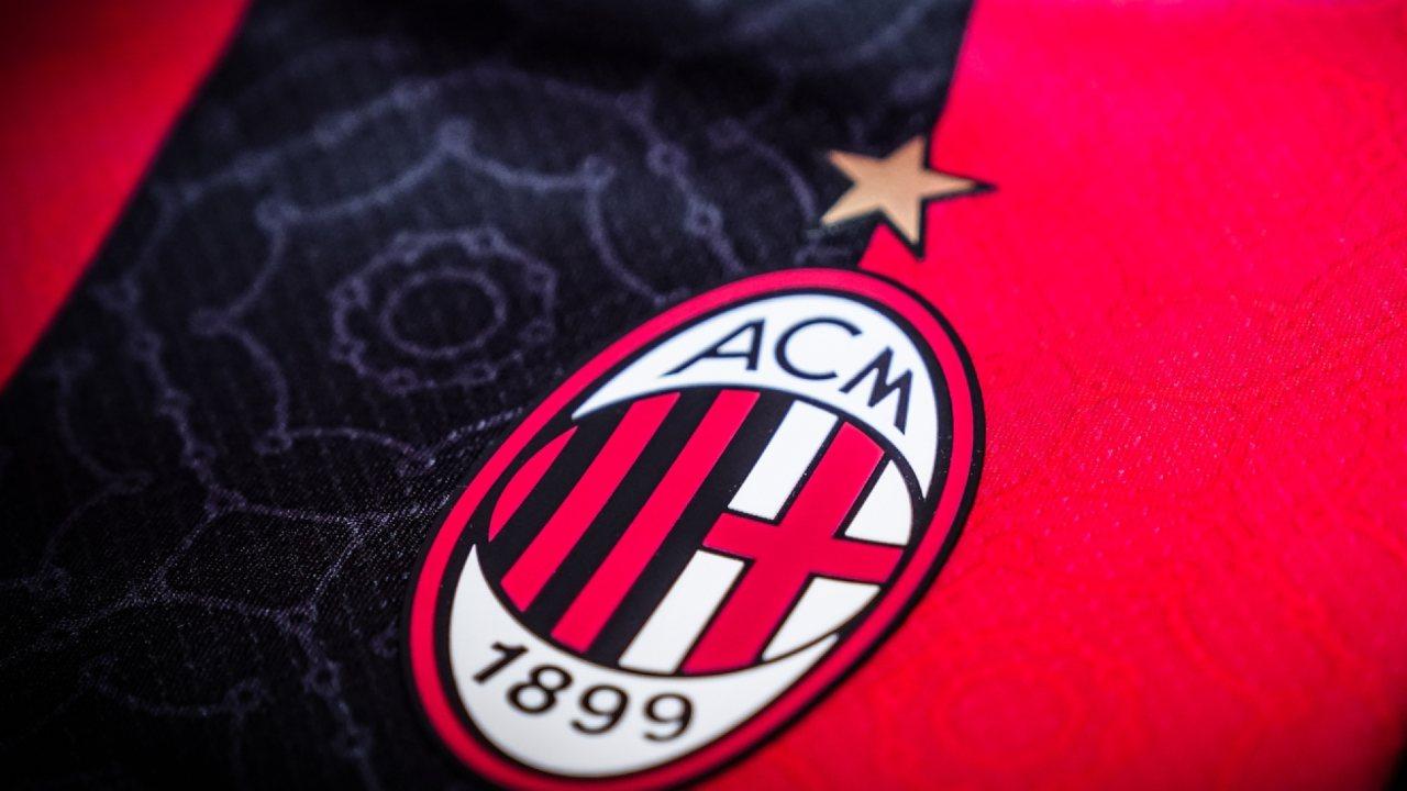 il logo sulla maglia del milan